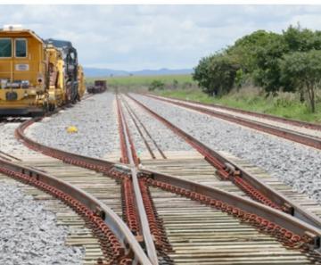 baa903d6e4bbe O trecho a ser construído representa a ligação de Mato Grosso à Ferrovia  Norte-Sul, alternativa fundamental para escoamento das grandes safras  produzidas no ...